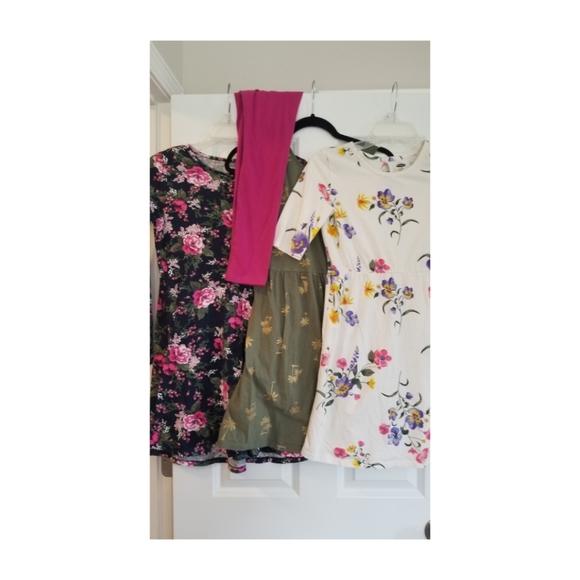 Bundle of (3) spring floral dresses & legging pant